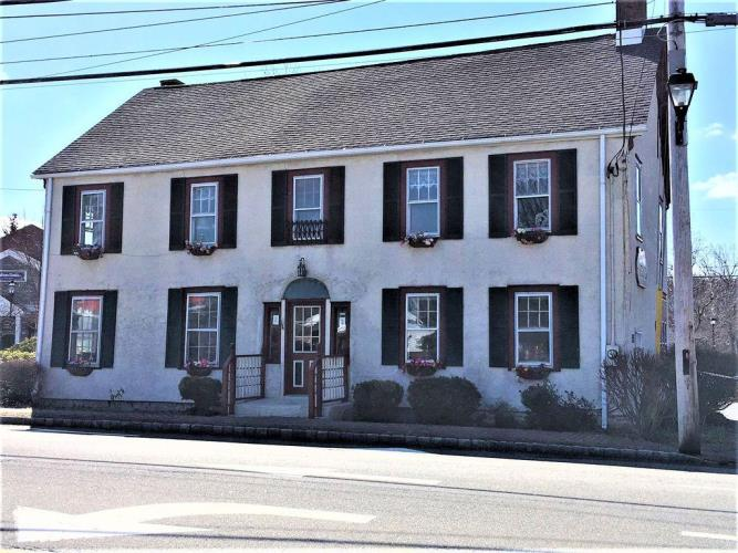Home For Sale By Owner 484 Main St Chester Nj 07930 Fizbercom